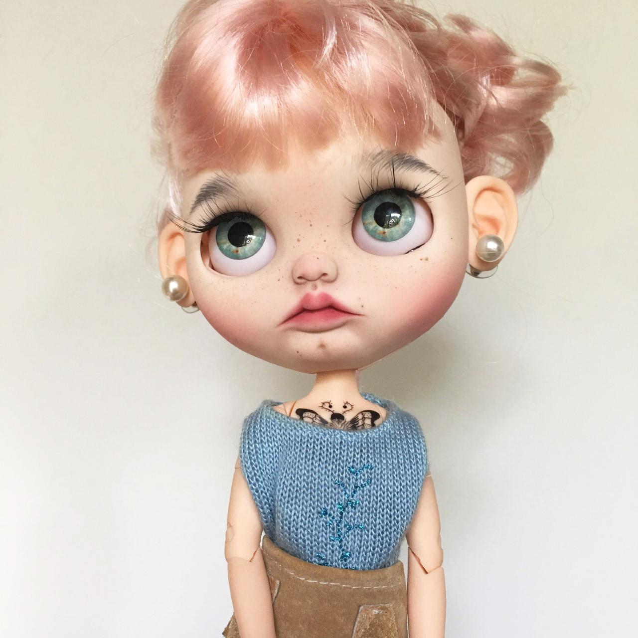 rosie vintage doll tussenin